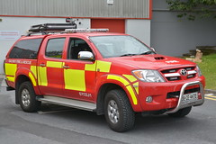 Galway County Fire Service 2008 Toyota Hilux Sidhean Teo L4V 08CE4470 (Shane Casey CK25) Tags: 2008 toyota hilux sidhean teo l4v 08ce4470 carraroe county galway an cheathrú rua red blue lights bluelights light flashing siren sirens yellow battenburg crew man men officer emergency medical firebrigade fire service fireengine engine fireman firemen firefighter firestation firebrigadesociety fbs station brigade response retained lightbar four 4 wheel drive awd all 4x4 jeep wagon