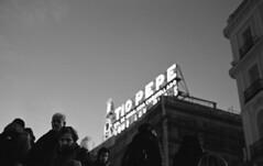 Sol, Madrid (marioandrei) Tags: kodak trix 400 contax g2 zeiss planar 45mm f2 t hc110 b 6 minutes