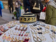 Angebot / Display (schreibtnix on 'n off) Tags: reisen travelling italien italy mailand milan naviglio navigliviertel navigliquarter schmuck jewellery angebot display olympuse5 schreibtnix