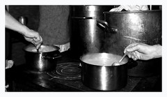 Pas trop collant le riz (Terra Pixelis) Tags: alsace cuisine hautrhin nikond810 68 petitballon auberge marmite bw noiretblanc