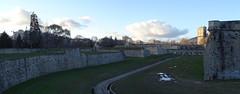 Foso y Puente acceso desde Parque de la Vuelta del Castillo a La Ciudadela Pamplona 03 (Rafael Gomez - http://micamara.es) Tags: navarra foso y puente acceso desde parque de la vuelta del castillo ciudadela pamplona