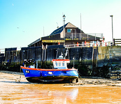 Moored for lunch? (philbarnes4) Tags: vikingbay broadstairs thanet kent england philbarnes dslr nikond5500 water sand february holiday sunny
