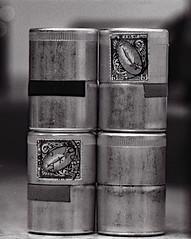 Filmdosen (sowhat63) Tags: tele elmar 135 mm m1 mit balgen ii und visoflex ilford pan 50 aluminium dosen kleinbild