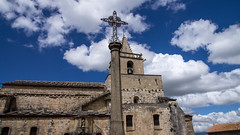 2 Kreuze in Venasque (krieger_horst) Tags: blau kirche kreuz venasque himmel frankreich wolken provence