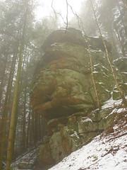 Felsblock (Jörg Paul Kaspari) Tags: irrel ernzen naturpark südeifel eifel winter fels felsen rock