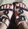 Cacau - O Boticário (Letícia Bertoncello) Tags: cacau feet pés boticário brown