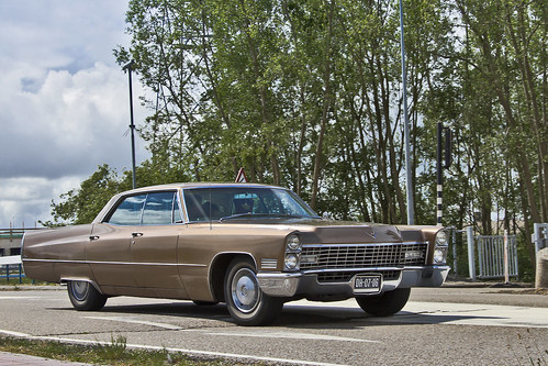 Cadillac Calais Hardtop Sedan 1967 (1361)