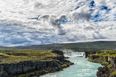 The Visitors (*Capture the Moment*) Tags: 2017 berge clouds farbdominanz godafoss himmel iceland insel island landschaften menschen mountains people sky sonya7m2 sonya7mii sonya7mark2 sonya7ii sonyfe2470mmf4zaoss sonyilce7m2 waterfall waterfalls wolken blau blue monochrome