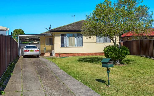 4 Chelsea Drive, Canley Heights NSW
