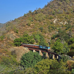 IN - 2017-12-08 - Goram Ghat (Thomas Kabisch) Tags: india indianrailways mavli marwar ghat ydm4