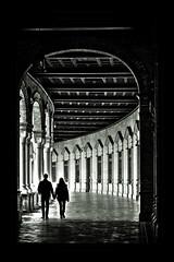 Sevilla - Plaza de España (mgarciac1965) Tags: light bn sevilla seville seviglia andalucía andalucia andalusia españa spain espagne nikon d5200 nikond5200 55x300 contraste luz blancoynegro city people bw blackandwhite plazadeespaña