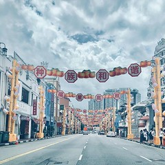 Home straight into work #chinatown #singapore #streetdecorations #cny #perspective (Simon Hancock Photography) Tags: ifttt instagram