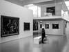 Au musée (Fab. A) Tags: monochrome noiretblanc blackandwhite musée museum people architecture canonm