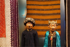 dolls for the queen (leuntje) Tags: leiden netherlands museumvolkenkunde museum indonesia dolls