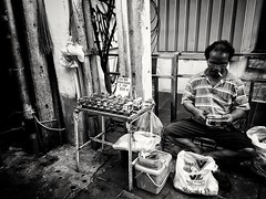 Street photography in Bangkok......  A man making tuktuks from tin cans with a knife and scissors (Ib photography uk) Tags: streetphotography street urban urbanphotography artistic artist streetartist life lifephotography lifestyle worldphotography thailand bangkok travel traveling travelphotography holiday blackandwhite blackandwhitenaturallight blackandwhitephotography blackandwhitestreet samsung samsungs7 samsungphotography samsungasia samsunguk following favourite gallery like awesome ibphotographyuk ibphotography buxz777