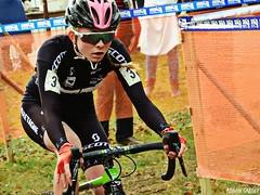 DSCN2765 (Ronan Caroff) Tags: cycling cyclisme ciclismo cyclist cycliste cyclists velo bike course race women woman sport sports mud boue cadette cadettes cyclocross cx quelneuc morbihan 56 bretagne brittany breizh france championnatdefrance championnat championship coupe cup competition