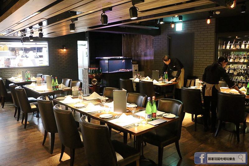 艾朋牛排餐酒館11
