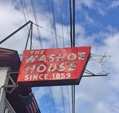 THE WASHOE HOUSE PETALUMA CA. (ussiwojima) Tags: washoehouse restaurant bar cocktail lounge petaluma california neon martini glass advertising sign