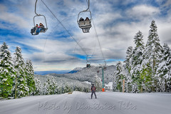 Χιονοδρομικό κέντρο Περτουλίου Pertouli ski center (Dimitil) Tags: snow snowballing pertouli trikala thessaly kids child children chalet fir tree wood forest dog animal sky clouds winter play game greece hellas ski lift center excursion people landscape personnes ciel neige bâtiment paysage
