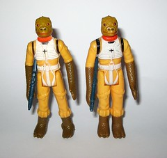 bossk bounty hunter star wars the empire strikes back 1980 action figures hong kong co 1 and coo 2 variants versions (tjparkside) Tags: bossk bounty hunter hunters star wars 1980 empire strikes back vintage basic action figure figures kenner original blaster rifle hong kong coo version variant esb tesb episode 5 v five 2 lighter limbs thinner gaps chestplate softer details torso pieces 7 petal like right leg country one year other 1 darker wider finer 6