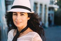 La escritora, editora de la primera revista erótica de medio oriente y militante feminista libanesa Joumana Hadad, en Beirut. 2015. (Adolfo Rozenfeld) Tags: beirut middleeast liban escritora lebanon árabe joumanahaddad dof mujer feminista luznatural author mediooriente retrato woman feminist naturallight poeta writer libano arab beyrouth