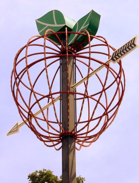 William Tell's apple light - Tell City, IN