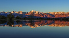 Sunrise at Farmers Pond. Near Bishop, California Owens Valley. (RS2Photography) Tags: farmerspond 2017 november2017 highway395 395 us395 easternsierra bishopcalifornia bishop inyocounty inyo sunrise reflection pond water sky nature landscape new bishopca california hydro piya piyah owensvalley sierranevada sierranevadamountains natur naturephotography beautiful beauty pretty aqua life agua rs2photography mountbasin mounthumphfreys fourteeners wheelercrest canon eos 24mm28stm dawn shadows art light ovp owensvalleypaiute
