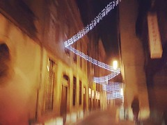 . (Catherine...) Tags: citybynight lavillelanuit night nuit silhouette sile lights lumières streetphotography streetshot urbanscape christmas noël