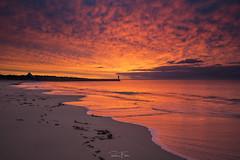 Allumez le feu !!! (Ronan Follic) Tags: france bretagne finistere audierne sea seascape soleil sunrise sunset water canon ronanfollic kfconcept phare lighthouse