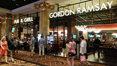 Gordon Ramsay Pub and Grill (uhhey) Tags: vegas gordonramsay restaurant
