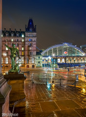 Lime Street Station from St George's Plateau (Bob Edwards Photography - Picture Liverpool) Tags: limestreetstation stgeorgeshall liverpool night lights colour rain wet plateau bobedwardsphotography merseyside neoclassical building architecture limestreet williambrown culturalquarter library museum artgallery walker liverpoolmuseum