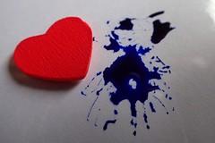 MM - Tintenherz/Inkheart - HMM! (Christa_P) Tags: macromondays macro myfavouritenovelfiction inkheart tintenherz corneliafunke heart 7dwf