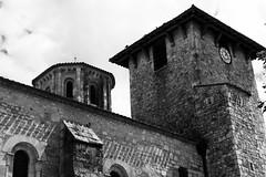 Abbatiale de Vertheuil (.urbanman.) Tags: abbatiale vertheuil campanile roman noiretbanc blackandwhite abbaye france médoc