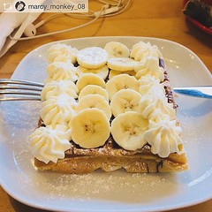 Getting out on a rainy Saturday morning for this 😋👌 . Repost from @marcy_monkey_08 @bombompatisserie for breaka (bombompatisserie) Tags: loughborough cake cafe bom patisserie
