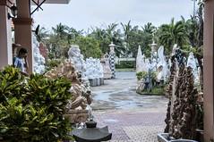 633- EXPOSICIÓN DE TALLAS EN DANANG- VIETNAM - (--MARCO POLO--) Tags: ciudades esculturas tallas asia curiosidades