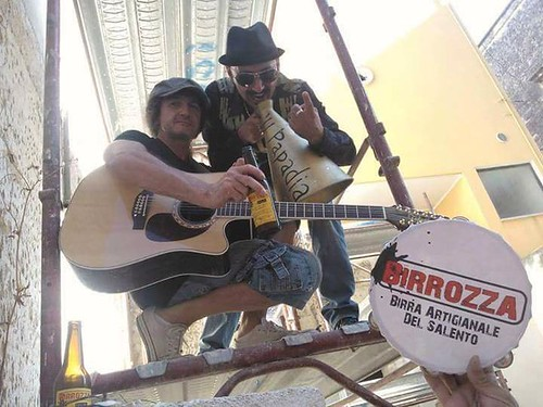 'u Papadia 📣 Giangranco Vozza Drum & Armando Serafini 📷 di Cataldo Albano ] ; ) ::\☮/>> http://www.elettrisonanti.net/galleria-fotografica #peronospera #cantautore #rock 🎸 #taranta #hardrock #folkbluesdeborgata 🎥#elettritv: