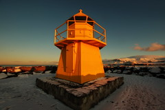 Golden lighthouse (Reykjavik, Iceland) (armxesde) Tags: pentax ricoh k3 island iceland reykjavik winter schnee snow goldenhour goldenestunde leuchtturm lighthouse