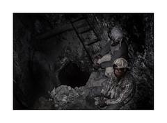 In the mine. ( Potosi )   1991 (José Luis Cosme Giral) Tags: inthemine travel miners youngmen break stair wells nikon fe kodachrome200 scanned cerropotosi bolivia 1991 street