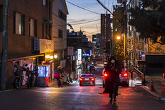 arms around (matteroffactSH) Tags: seoul korea south southkorea asia skyscrapers architecture gangnam district cityscape vista cold freezing winter blue hour bluehour nikon d800 d800e andrew rochfort andrewrochfort matteroffact light neon alley buildings sk