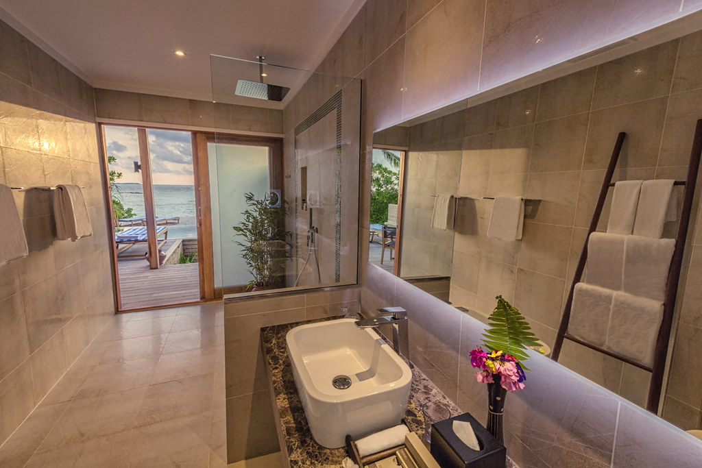 Beach Pool Villa Bathroom