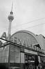 18.2.2018 Berlin Alexanderplatz (rieblinga) Tags: berlin alexanderplatz bahnhof fernsehturm analog sw agfa apx 400 r8 1822018