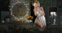The most amazing... (Abihaska - on and off for a while) Tags: gold flowers ariskea zerkalo lelutka blogging blogger decor decoration keke