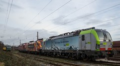 056_2018_01_01_Wanne_Eickel_Üwf_4475_402_BLSC_ES_64_U2_-_072_6182_572_DISPO_6193_275_ELOC_6193_555_ATLU_6193_252_ELOC (ruhrpott.sprinter) Tags: ruhrpott sprinter deutschland germany allmangne nrw ruhrgebiet gelsenkirchen lokomotive locomotives eisenbahn railroad rail zug train reisezug passenger güter cargo freight fret herne wanne eickel wanneeickel wannebochumherner atlu bls blsc dispo eloc txl txlogistik es64u2 182 193 4475 6193 6182 nikrasa offroad alpinisten vectron we love to connect outdoor logo natur graffito graffiti