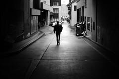outdoors (gato-gato-gato) Tags: europe leica leicammonochrom leicasummiluxm35mmf14 leicasummiluxm35mmf14asph mmonochrom messsucher monochrom schweiz strasse street streetphotographer streetphotography streettogs suisse svizzera switzerland zueri zuerich zurigo black digital gatogatogato gatogatogatoch rangefinder streetphoto streetpic tobiasgaulkech white wwwgatogatogatoch zürich ch manualfocus manuellerfokus manualmode schwarz weiss bw blanco negro monochrome blanc noir strase onthestreets mensch person human pedestrian fussgänger fusgänger passant sviss zwitserland isviçre zurich