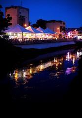 Carnaval Itabirito 2018. (larakochenborger) Tags: carnaval carnival night reflexo view lights canon people party happy beautiful retrato picture itabirito river rio minasgerais brazil
