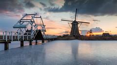 Sunset in Kinderdijk (Wim Boon Fotografie) Tags: wimboon kinderdijk koud molen windmill leefilternd09softgrad holland nederland netherlands natuur unescoworldheritage ice winter winter2018