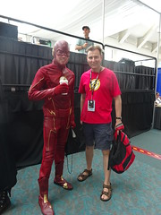 Flash and Flash Fan (Sconderson Cosplay) Tags: comic con san diego sdcc 2016 flash cosplay