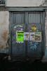 Portón (Oscar F. Hevia) Tags: puerta porton cartel anuncio propaganda gris door gate poster advertisement gray asturias asturies españa paraísonatural principadodeasturias spain tuña principalityofasturias