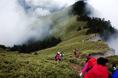 往合歡西峰 (Philip@Tamsui) Tags: ricoh grdigital grd grii hiking mountain 合歡山 合歡山西峰