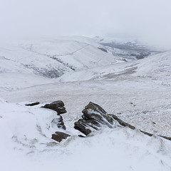 The Vale of Edale from Swine's Back (Paul Newcombe) Tags: snow storm winter kinderscout derbyshire england uk peaks peakdistrict paulnewcombephotography canon2470mmf4 february 2018 hills mountain swine'sback